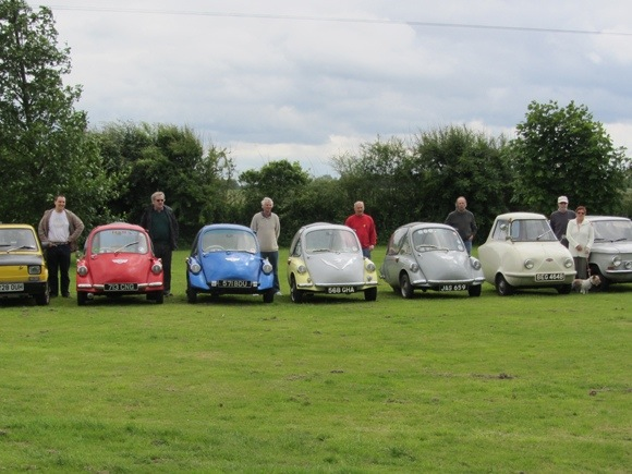Heinkel and Trojan 3 wheelers plus guests